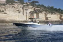Princess Motor Yacht Sales: Chris-Craft Calypso 30 wins 2018 Motor Boat Award