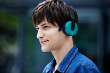 Easy listening  Free yourself with new Bluetooth®  wireless headphones from Sony