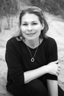 """Camilla Gyllensvan från Varberg är en av författarna bakom """"Skapa ditt drömliv - Hur självsabotörer blir självhjälpare """""""