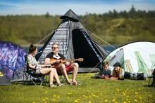 SMARTA CAMPINGTÄLT OCH SOVSÄCKAR FRÅN EASY CAMP TOPPAR FESTIVALEN