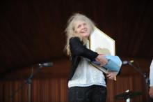 Karamelodiktstipendiet 2014 till Kristina Lugn