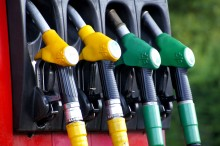Bensinpriset spås fortsätta stiga – etanol blir billigare
