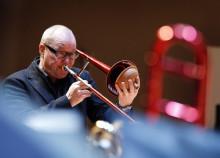 Den mångsidige musikern och trombonisten Nils Landgren får Sir George Martin Music Award 2012
