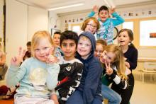 Pressinbjudan: Eleverna på Erlaskolan i Katrineholm får ekonomiskt bidrag till rymdresa