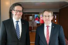 Stena Line empfängt Schleswig-Holsteins Ministerpräsident Daniel Günther