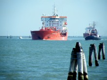 Koldioxidutsläpp inom sjöfarten granskas