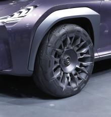 Goodyear presenterar stolt 'Goodyear Urban CrossOver' – ett specialbyggt konceptdäck för Lexus nya konceptbil UX