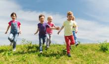 Hjälp äldre få bli lite barn i sommar