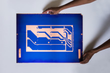 Årets Beckersstipendiat Theresa Traore Dahlberg -  gör konst av nedlagd kassettfabrik och refuserade industrimaterial