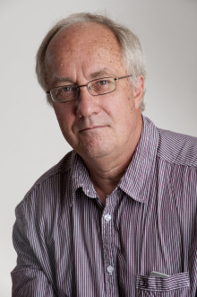 Professor skriver bok om säkerhet i digitala ekosystem