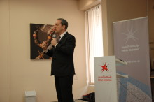 Bahrain Polytechnic hosts ex-CNBC anchor for fast-track presentation workshop