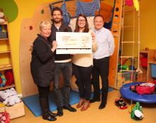 Arne Friedrich besucht das Leipziger Kinderhospiz: Bärenherz erhält Spende der Arne-Friedrich-Stiftung
