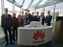 Huawei valde 10 svenska teknikstudenter för Kinaresa