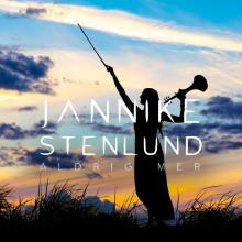 """Jannike Stenlunds fängslande fiolspel skapar nordiskt vemod - singeln """"Aldrig mer"""" släpps idag!"""