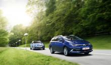 Nya Toyota Auris både slankare, lyxigare, snålare och säkrare