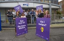 Siarad Cymraeg -  BT yn cofrestru ar gyfer 'Cymraeg Gwaith'