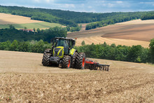 SATCOR: Two new correction signals from CLAAS