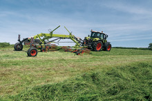 CLAAS extends its range of swathers with four new LINER models