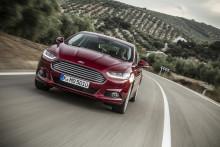 Ford ger kunderna stora valmöjligheter; 14 bensin-, diesel- och hybridmodeller finns nu att beställa till nya Mondeo