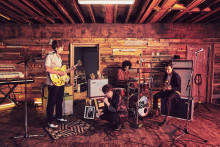 "Ny musikkvideo fra The Kooks! Slipper sitt femte album ""Let's Go Sunshine"" 31. august"