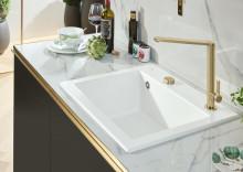 L' émail mat TitanGlaze de Villeroy & Boch – la nouvelle nuance tendance Stone White pour tous les éviers en céramique