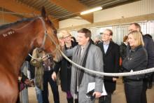 Hästnära jobb lockade statsråd på jobbturné