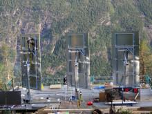 Gigantiska rörliga speglar lyser upp norska Rjukan