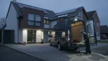 Ideal für die Arbeit an dunklen Wintertagen: Neuer Ford Transit verfügt über leistungsstarke LED-Außenleuchte