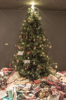 Clarion Amarantens julklappsinsamling resulterade i 601 klappar till Barncancerfonden!