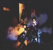 Prince sitt ikoniske album – Purple Rain i deluxe-versjon fra 23. juni