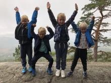 Skolestartere fikk medalje for fullførte 10-topperturer