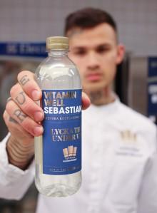 Vitamin Well hyllar hjältarna i Kocklandslaget med specialdesignad flaska
