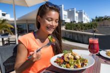 Sprache und Verköstigung im Einklang – Reiseveranstalter TravelWorks setzt auf Sprachreisen für Vegetarier und Veganer