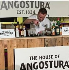 Farangs bartender Daniel Westman vann den Europiska finalen i Angostura Cocktail Challenge