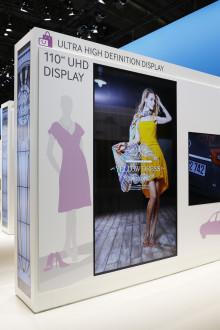 På ISE præsenterede Samsung løsninger der integrerer, interagerer og inspirerer