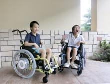 パネルディスカッションを交えた小児用電動車いす活用セミナーを初開催  「キッズフェスタ 2018(第17回子どもの福祉用具展)」に出展