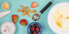 Gör din egen frozen yoghurt  - svalkande recept med yoghurt som huvudingrediens