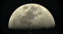 Фотоапарат α7s на Sony засне движението на Международната космическа станция около Луната при скорост 28,000 км/ч