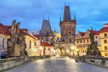 Uppstickaren Prag - vinterns stora reseraket