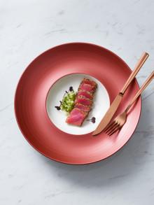 Copper Glow : Une série raffinée à l'allure cuivrée et à la finition brevetée pour des repas élé-gants