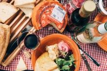 De 8 bästa tipsen för gott vin på picknicken