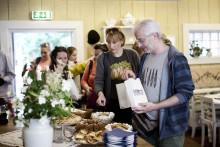 Utländska matjournalister ska testa spettekaka och äkta kräftskiva i Skåne