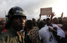 Barn på flykt undan oroligheterna i Elfenbenskusten