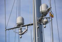e3 installs first Inmarsat dual antenna Fleet Xpress solution on performance superyacht S/Y Ganesha