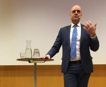 Pressinbjudan: Fredrik Reinfeldt presenterar Trygghetskommissionens rapport om internationella stöldligor och bedrägerier