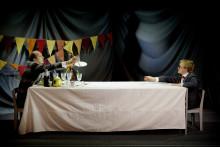 Underfundig nycirkus blir Våffelteater på Lillan