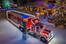 Coca-Colan Joulurekka kiertää Suomea jälleen tänä vuonna ja tekee historiaa risteilemällä ensimmäistä kertaa ikinä