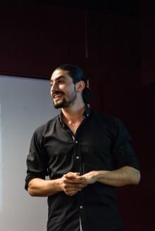 Flykten över Medelhavet – Ameer Mehtar berättar