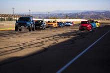 Acht Ford Performance-Modelle und acht Ford GT-Rennfahrer: Video zeigt epischen Showdown auf der Rennstrecke!