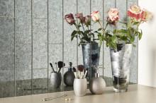 Fliser med spejleffekt skaber plads og pariserstemning